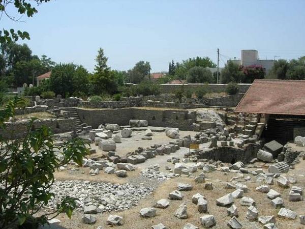 Мавзолей в Галикарнасе фото