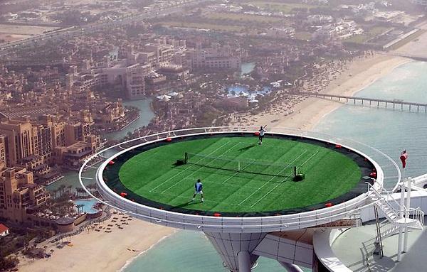 В Дубае есть теннисный корт на высоте 300 метров