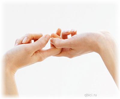 вредно ли хрустеть пальцами?