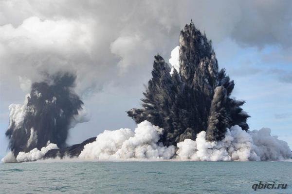 Извержение вулкана фото. Подводный вулкан у побережья Тонга