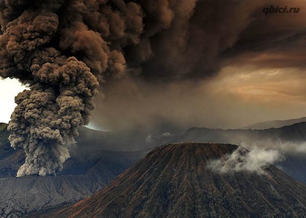Извержение вулкана фото. Вулкан Бромо в Индонезии