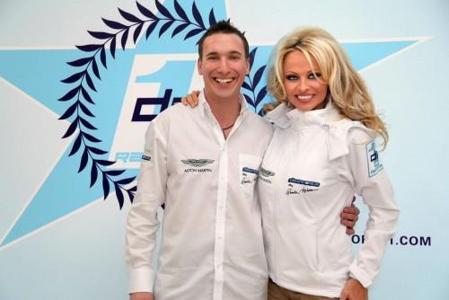 Памела Андерсон стала основателем гоночной команды «Downforce1»