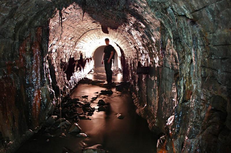 Где впервые была обустроена канализационная система