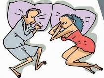 10 поз для сна, которые четко характеризуют отношения внутри пары