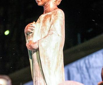 На Львовской площади в Киеве появился памятник французской королеве Анне