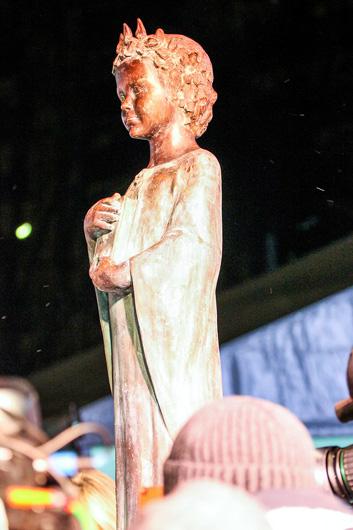 памятник французской королеве Анне