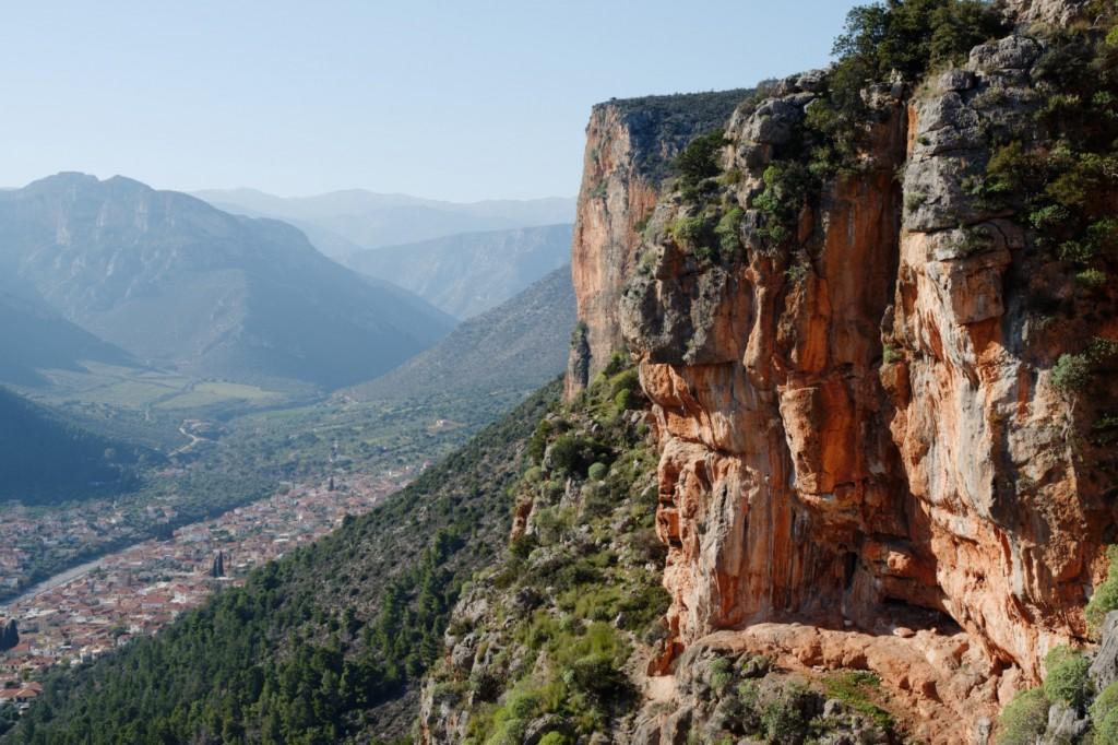 leonidio-valley